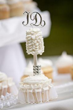 Ruffle Cake Pop, White Cake Pop, White Ruffle Cake Pop, Elegant Cake Pop, Wedding Cake Pop, BlueSodaCake