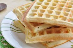 Thermomix waffles Cooking With Kids, Cooking Time, Thermomix Pancakes, White Chocolate Sauce, Fruit Sauce, Forest Fruits, Vanilla Sugar, Waffle Iron, Waffle Recipes