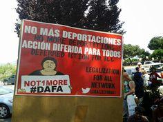 No Más Deportaciones.  Photo by Shannon Gleeson.