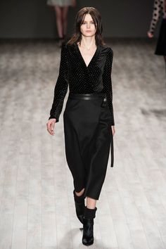 Let's All Have a Feel at Jill Stuart: While Fall collections are often more textural than Spring's runways (all the better for cozying up and staying in when the sun sets early and temperatures drop), Jill Stuart left us wanting to reach out and touch even more than usual.