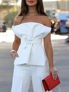 Incredibly Shop for the White Cotton Blend Bandeau Buckle Strap Waist Chic Women Blouse onl. - Women's Jewelry and Accessories-Women Fashion Bandeau Outfit, White Fashion, Look Fashion, Fashion Tips, Fashion Design, Fashion Trends, Parisian Fashion, Feminine Fashion, Fashion Videos