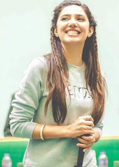 Sadqay tumhary❤❤ Mahira Khan Pics, Mahira Khan Dresses, Pakistani Actress, Bollywood Actress, Pakistani Dramas, Maira Khan, Fashion Essay, Morning Hair, Beautiful Muslim Women