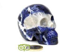 Sodaliet kristallen schedel KS-RMIN-100-222   Webshop Danielle Forrer   Mineralen   Klankschalen   Koshi shanti's   Tingsha   Inzichtkaarten   Pendels   etc   Wieringerwerf