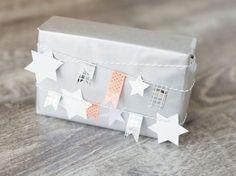 DIY-Anleitung: Weihnachtliche Geschenkverpackung mit Girlande selber machen via DaWanda.com