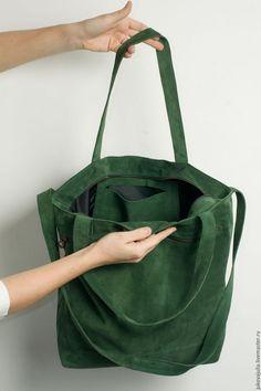 ccdba5860d2f Купить или заказать Сумка из натуральной кожи замши спилок изумрудная  зеленая травяная в интернет-магазине