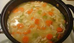 Accompagnée de sport, cette soupe vous aidera à perdre du poids rapidement et sainement grâce à ses différents ingrédients naturels.