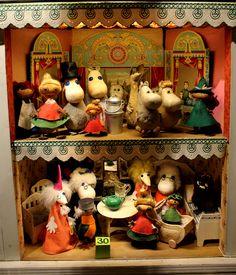 Moomins in Suomenlinna Toy Museum. Made by Ateliér Fauni, Finland 1950's. #toymuseumhelsinki #lelumuseohelsinki #moomin #muumi