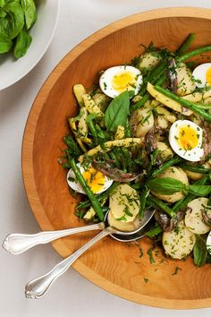 NYT Cooking: If this sounds like a pared-down salade niçoise, it is. Make a bold vinaigrette that is unapologetically fragrant with garlic and anchovy. Boil medium-size potatoes in their skins. Peel, slice and dress them while they are still slightly warm. You can even do the work in advance and then assemble it all just before serving. Authentic, traditional or somewhere in between, m...