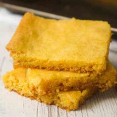 Lemon Pudding Sugar Cookie Bars are an easy 4 ingredient dessert recipe. These soft, chewy cookie bars are made with Betty Crocker Sugar Cookie Mix and lemon instant pudding. Lemon Pudding Recipes, Lemon Dessert Recipes, Candy Recipes, Delicious Desserts, Bar Recipes, Cookie Recipes, Recipies, Peanut Butter Cookie Bars, Sugar Cookie Bars
