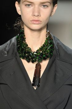 Dries Van Noten at Paris Fashion Week Spring 2010 - Details Runway Photos I Love Jewelry, Ethnic Jewelry, Statement Jewelry, Jewelry Art, Gemstone Jewelry, Beaded Jewelry, Fashion Jewelry, Jewelry Design, Jewelry Making