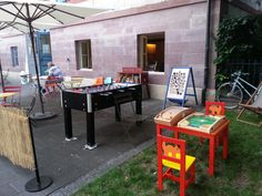 Sekundenzeiger - * PLAY * BASEL * Family friendly cafe bar open in the summertime and located on the Rhine Play Corner, Outdoor Tables, Outdoor Decor, Cafe Bar, Basel, Summer Time, Outdoor Furniture Sets, Restaurants, Play Areas