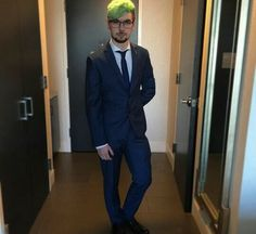 Mr. Septiceye in a suit! *fangirls and dies and brought back to life to see him standing in my house in his suit holding his hand towards me*