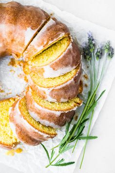Mary Berry's Lemon Drizzle Cake with a distinctive crunchy lemon glaze. You only need a few basic ingredients and 35 minutes to bake this lovely bundt cake. Lemon Layer Cakes, Lemon Bundt Cake, British Bake Off, British Baking, Mousse, Bunt Cakes, Tea Cakes, Mary Berry Lemon Drizzle Cake, Lemon Drizzle Cake Moist
