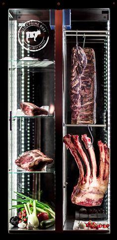 What you see is what you get! Choose your steak directly from our meat fridge. Wählt euer Steak direkt im Restaurant aus unserem Reifeschrank aus. #reifeschrank #fleischkühlschrank #whatyouseeiswhatyouget