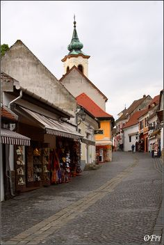 Main Street of Szentendre, is a riverside town in Pest County, near de capital city of Budapest_ West Hungary