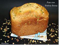Este es un pan casero que suelo hacer cada semana en mi panificadora, ya que nos gusta bastante. Para hacerlo diferente, en ocasiones sue...