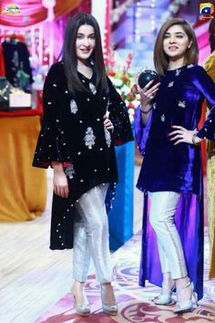 Pakistani Suits: The Amazing Designs For An Evening Party – Fashion Asia Shadi Dresses, Pakistani Bridal Dresses, Pakistani Outfits, Event Dresses, Indian Dresses, Indian Outfits, Stylish Dresses, Fashion Dresses, Velvet Dress Designs