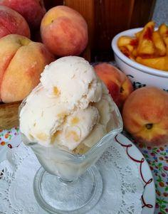 Peach Ice Cream Recipe, Homemade Ice Cream, Ice Cream Recipes, Milk Recipes, Dessert Recipes, Chocolate Silk Pie, Cooking Ice Cream, Dinner Party Recipes, Ice Cream Treats