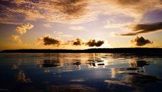 Во все времена о Ладожском озере ходило много легенд, можно сказать, что оно является хранителем множества загадок и явлений, которых невозможно объяснить. К примеру, до сих пор неизвестно каким образом появилось озеро, и в какое время. Очень часто на глади воды м