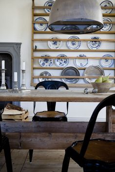 plate racks I feel inspired by these country style kitchen storage; open shelving to display china, shutter like cabinet doors for a french elegance and a simple rustic buffet in white pat Plate Rack Wall, Plate Shelves, Plate Racks, Plates On Wall, Plate Holder, Rustic Buffet, Rustic Table, Rustic Kitchen, Country Kitchen