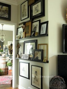 Oliver and Rust: The Oliver and Rust House Tour - I love how the artwork is arranged!