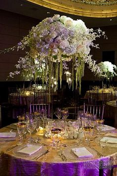 -Tablescape - white flowers with purple & gold accents. <3