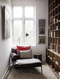 6 ways to create a home library + reading nook no matter what size home. Your hallway, staircase, doors or windows can all create a home library. Interior Exterior, Home Interior, Interior Design, Design Art, Design Ideas, Danish Interior, Interior Modern, Home Libraries, Cozy Corner