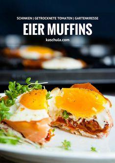 Heute habe ich für euch ein #Rezept fürEier #Muffins mit Schinken und getrockneten Tomaten. So einfach, so schnell in der Zubereitung und so unfassbar #lecker. Ich kann es jedem wirklich sehr empfehlen. Die Muffins kann man super zum #Frühstück servieren oder als kleinen #Snack am Abend verspeisen. #Vatertag #Herrentag #Eiermuffins #backen #Abendessen #Rezepte #Recipe #Food #yummy Nutella, Mini Pizza, Santorini, Tapas, Eggs, Yummy Food, Snacks, Breakfast, Recipes