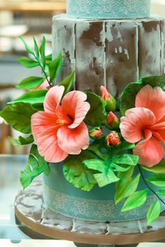 Tropical Wedding Cake #tropicalwedding #weddingcake #tartadeboda #fondantcake #sugarflowers