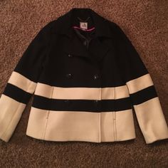 Jcp brand navy & cream pea coat Gorgeous navy & cream Jcp brand pea coat size large! Nautical looking buttons & 2 faux pockets on the front. It is in very good condition having only been worn a couple times! Jcp Jackets & Coats Pea Coats
