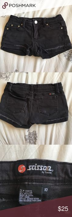 scissor by tractor brand shorts great condition, only worn a couple times, they are stretchy Tilly's Bottoms Shorts