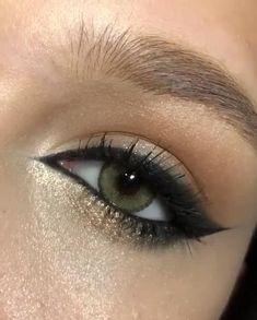 Eyeliner For Small Eyes, Makeup For Small Eyes, Grey Eye Makeup, Eyebrow Makeup Tips, Asian Eye Makeup, Edgy Makeup, Natural Eye Makeup, Eye Makeup Remover, Hair Makeup