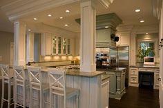 Hello gorgeous kitchen! Columns on island