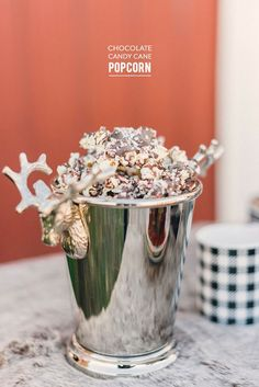 Chocolate Candy Cane Popcorn | This recipe is amazing! So good.