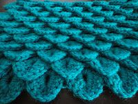 Crocodile Stitch Scarf...FREE pattern!  I've seen this on Ravelry, but didn't want to pay for the pattern!  Yippee!