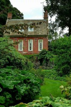 Lovely English country cottage