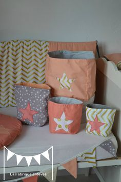 pochons rangement réversibles abricot corail doré gris étoiles chevron pois - décoration chambre fille bébé