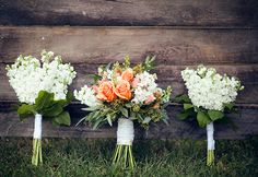 peach and white wedding bouquets
