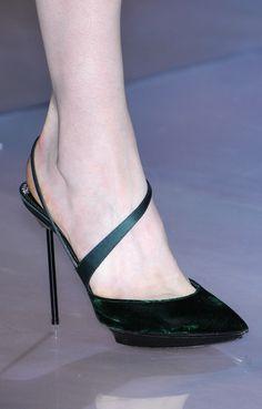 Giorgio Armani very feminin Stiletto Heel Sandal Milan FW Fall 2010 #Runway #Shoes #Armani
