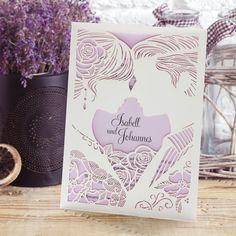 #Hochzeitseinladung Liebespaar flieder: https://www.meine-hochzeitsdeko.de/einladungskarte-hochzeit-liebespaar-flieder