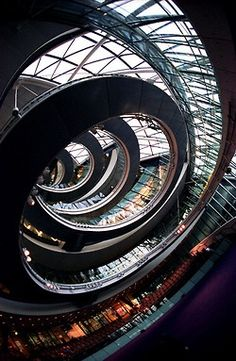 cjwho:  London City Hall by feisar