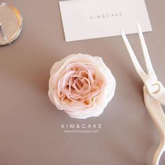 KIM&CAKE pursues and tries to make the natural flower…