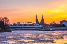 Szeged Tourinform  Vass Károly fotója Budapest, Bridge, City, Travel, Painting, Ideas, Hungary, Viajes, Bro