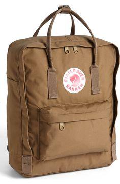 En klassisk ryggsäck från Fjällräven.Väskan är gjord av slitstarkt ... 0934f9ef905d1
