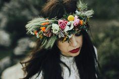 #corona de #flores #silvestres, ideal para #novia de estilo #boho #romantica y #bohemia Foto: Older García  Modelo: Silvia Gutiérrez