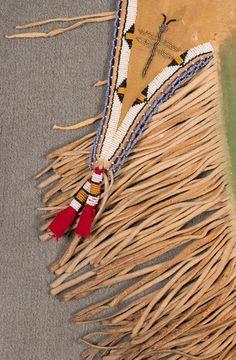 Леггинсы, Южные Равнины. Деталь. Размер 32 х 12 дюймов, бахрома 7 дюймов. 19 век (?) Auction In Santa Fe август 2015.