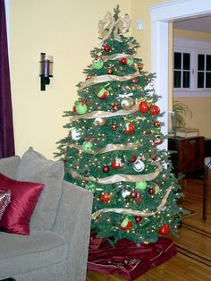 Tips for decorating all kinds of christmas trees!