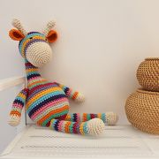 Crochet giraffe by Emilie Diy Tricot Crochet, Crochet Patterns Amigurumi, Love Crochet, Crochet For Kids, Giraffe Crafts, Giraffe Toy, Giraffe Colors, Crochet Patron, Crochet Baby Toys