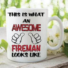 Novelty Mug This Is What An Awesome Photographer Looks Like Funny Birthday Gift Family Ceramic Cup Work Office Humour Printed Cups Rude Mugs, Funny Mugs, Tea Mugs, Coffee Mugs, Boss Coffee, Printed Coffee Cups, Electrician Gifts, Wedding Mugs, Valentines Mugs