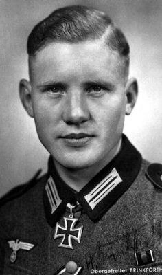 ✠ Hubert Brinkforth (15 April 1916 – 5 June 1942) Killed by Soviet artillery near Pogostje. RK 07.03.1941 Gefreiter Richtschütze i. d. 14. (Pz.Jäg)/Inf.Rgt 25 (mot)